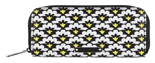 Preload https://item5.tradesy.com/images/vera-bradley-fanfare-fans-black-white-accordion-leather-like-sold-out-wallet-5134219-0-0.jpg?width=440&height=440