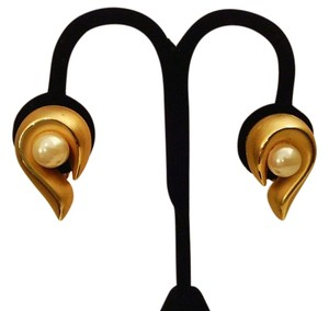 Modernist Half Heart Ribbon Shaped Gold Tone and Pearl Earrings Free With Purchase