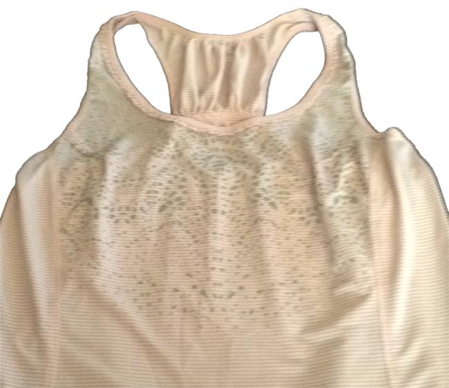 Preload https://img-static.tradesy.com/item/5136661/lululemon-tank-activewear-top-size-6-s-28-0-0-650-650.jpg
