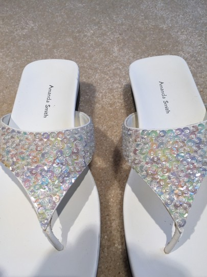 Amanda Smith Sequin Thongs Sequin Size 7.5 Size 7.5 Thongs White Sandals Image 1
