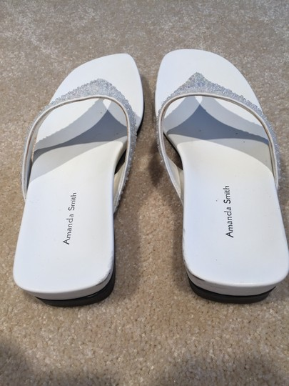 Amanda Smith Sequin Thongs Sequin Size 7.5 Size 7.5 Thongs White Sandals Image 4