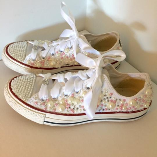 Preload https://item1.tradesy.com/images/converse-wedding-shoes-5137855-0-0.jpg?width=440&height=440