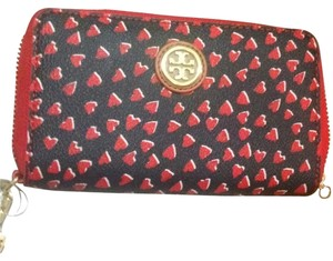 Tory Burch Tory Burch Valentine Amore Heart Navy Red Wallet Kerrington Smartphone Wristlet