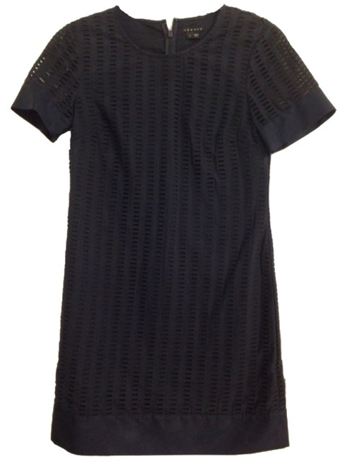 Preload https://item4.tradesy.com/images/theory-navy-shift-short-workoffice-dress-size-4-s-5139448-0-0.jpg?width=400&height=650