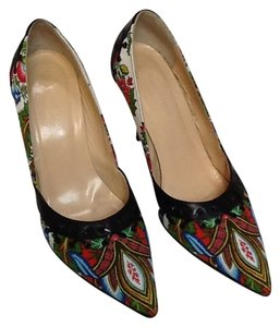 Isabella Fiore Red, blue, white print with black leather trim Pumps