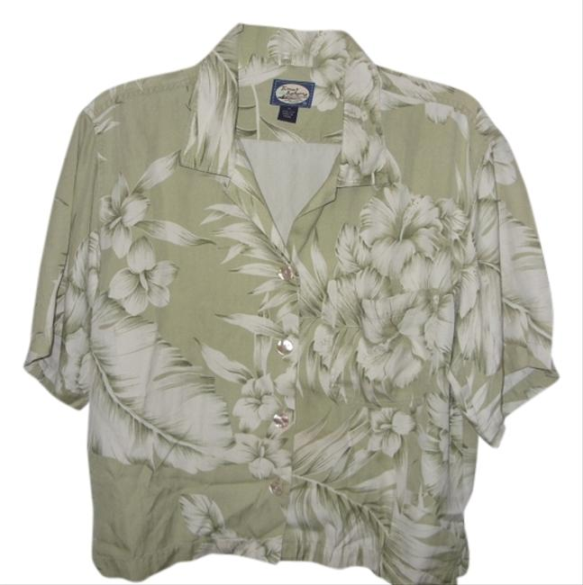 Preload https://item4.tradesy.com/images/tommy-bahama-button-down-shirt-5142133-0-0.jpg?width=400&height=650
