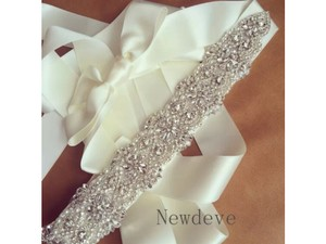 New Bridal Sash Color Ivory Crystals And Pearls