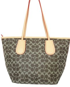 Coach Taxi Zip 52997 Tote in Brown Saddle / Apricot