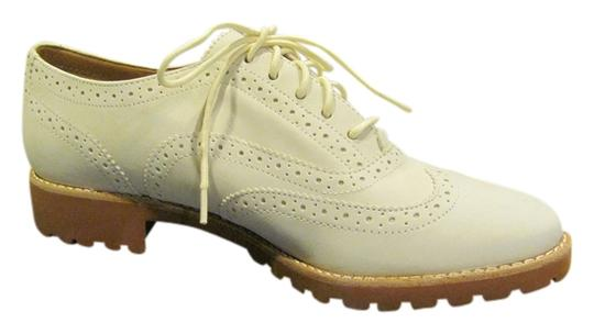 Preload https://item4.tradesy.com/images/sperry-ivory-ashbury-nubuck-sneakers-size-us-8-514543-0-0.jpg?width=440&height=440