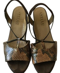 Anyi Lu Brown Sandals