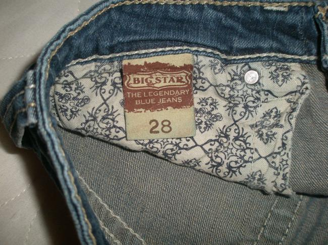 Big Star 5 Pocket Style * Zip Fly * Low Rise * Cotton/Spandex * Machine Washable * Random Nicks-abrasions-grinding Wear Detail Capri/Cropped Denim-Distressed