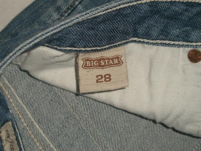 Big Star * Zip Fly * Low Rise * Back Flap Pockets * Whiskering Detail * Cotton/Spandex * Machine Washable Capri/Cropped Denim-Light Wash
