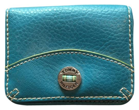 Preload https://item1.tradesy.com/images/tommy-hilfiger-coin-purse-teal-leather-clutch-5147965-0-0.jpg?width=440&height=440