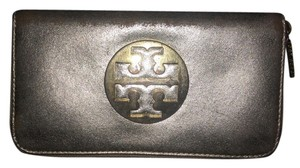 Tory Burch Tory Burch Mirror Crinkle Zip Continental Wallet
