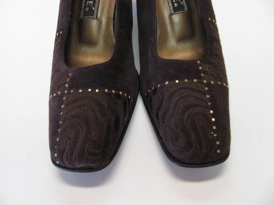 J. Reneé Very Good Condition Suede Leather Size 8.00 M Brown Pumps