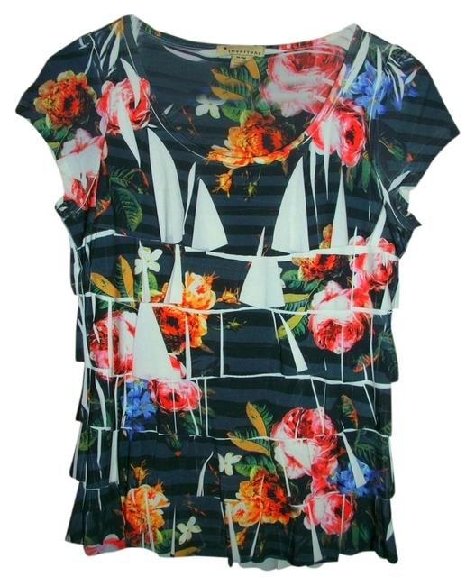 Preload https://item1.tradesy.com/images/forever-21-floral-blouse-size-8-m-515130-0-0.jpg?width=400&height=650