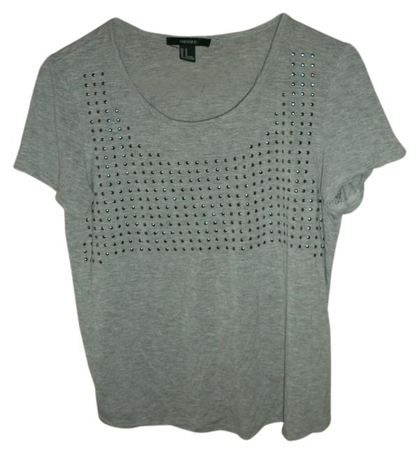 Preload https://item1.tradesy.com/images/forever-21-studded-tee-shirt-size-8-m-515175-0-0.jpg?width=400&height=650