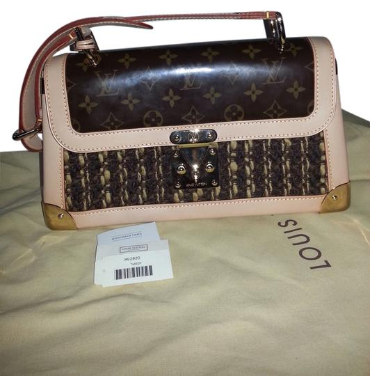 Preload https://item5.tradesy.com/images/louis-vuitton-limited-edtion-with-brown-monogram-patenttweedy-shoulder-bag-5152219-0-0.jpg?width=440&height=440