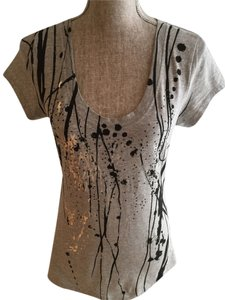 Kenneth Cole Reaction Tees Tees Size Small Tees Size Small Size Small Embellished Tees Embellished Embellished Abstract T Shirt Gray/Black/Silver