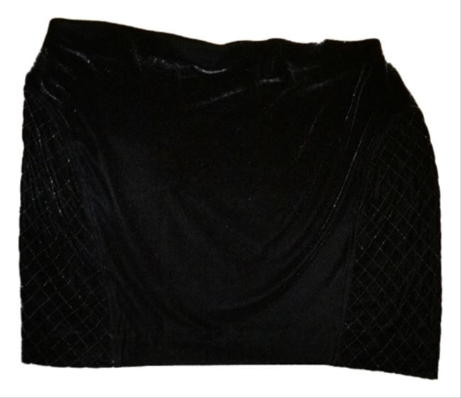 Preload https://img-static.tradesy.com/item/5156902/vera-wang-black-velvet-knee-length-skirt-size-16-xl-plus-0x-0-0-650-650.jpg
