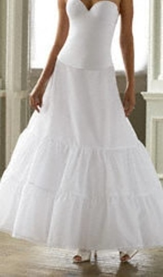 David's Bridal Ivory T8792 Casual Wedding Dress Size 6 (S)