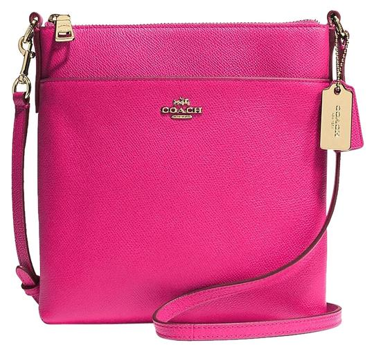 Preload https://item2.tradesy.com/images/coach-swingpack-ship-via-priority-mail-leather-cross-body-bag-5158501-0-0.jpg?width=440&height=440