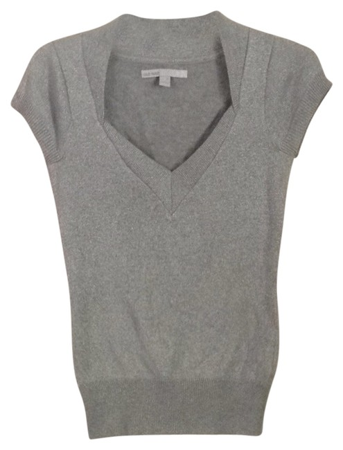 Preload https://item4.tradesy.com/images/old-navy-silver-metallic-night-out-top-size-4-s-5160628-0-0.jpg?width=400&height=650