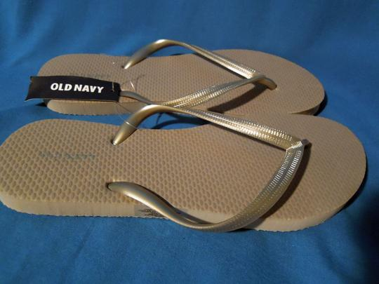 Old Navy gray/ silver Flats