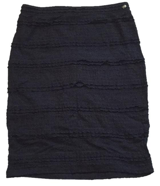Preload https://item4.tradesy.com/images/guess-black-miniskirt-size-4-s-27-5161288-0-0.jpg?width=400&height=650