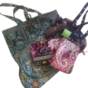 Vera Bradley Alice Kiss Lock E-reader Tote in Multi