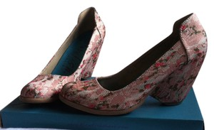 Blowfish Pink floral Pumps