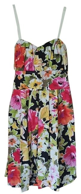 Preload https://item3.tradesy.com/images/snap-floral-never-worn-spring-above-knee-cocktail-dress-size-4-s-5167447-0-1.jpg?width=400&height=650