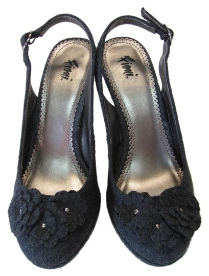 Preload https://item1.tradesy.com/images/fioni-gray-new-excellent-condition-m-pumps-size-us-6-regular-m-b-5170600-0-0.jpg?width=440&height=440