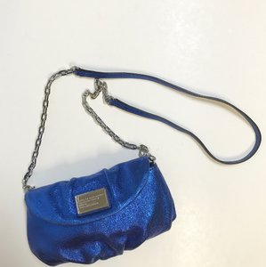 Preload https://item2.tradesy.com/images/marc-by-marc-jacobs-classic-q-karlie-free-shipping-scuba-blue-mbmj-logo-lining-cross-body-bag-5172136-0-3.jpg?width=440&height=440