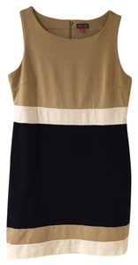 Vince Camuto short dress Black, Beige and Ivory. Vince 8 (m) Classic Chic Knee Lenght on Tradesy