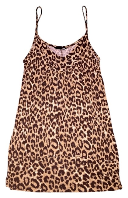 Preload https://item3.tradesy.com/images/h-and-m-leopard-print-tank-topcami-size-8-m-5174047-0-0.jpg?width=400&height=650