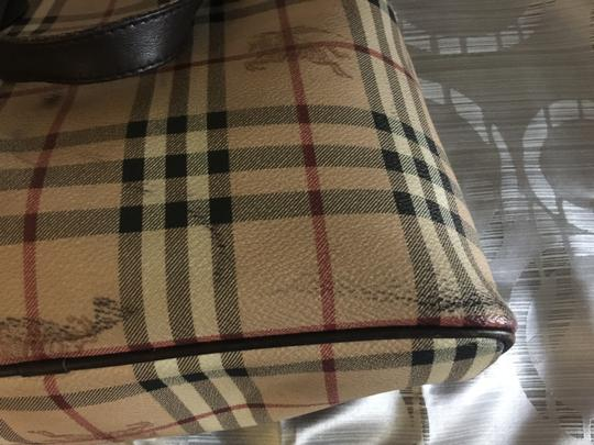 Burberry Tote in Hay market