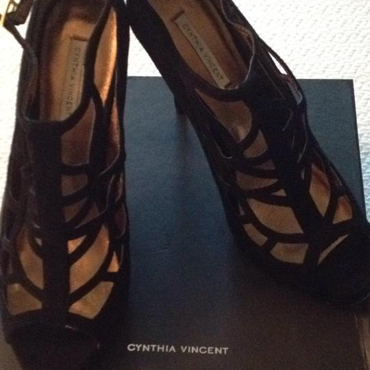 Twelfth St. by Cynthia Vincent Suede New Black Sandals