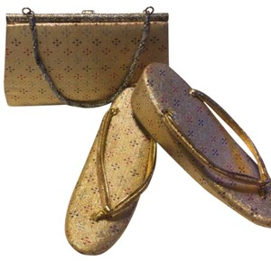 Geisha slippers & clutch purse Gold Sandals