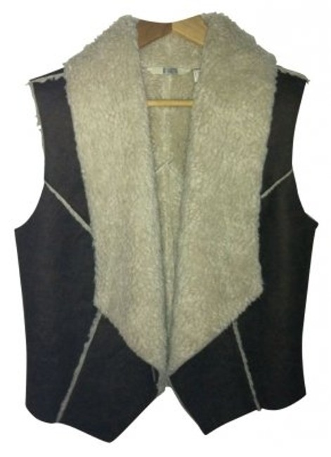 Preload https://item5.tradesy.com/images/bb-dakota-brown-faux-leather-outer-white-faux-fur-inner-comfy-vest-size-8-m-5179-0-0.jpg?width=400&height=650
