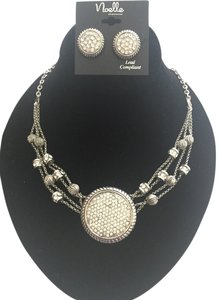 Noelle Noelle necklace and earring set