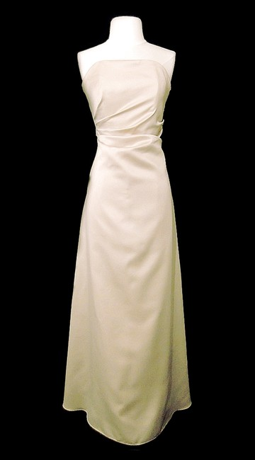 Item - Champagne Satin Style 1250 Formal Bridesmaid/Mob Dress Size 14 (L)