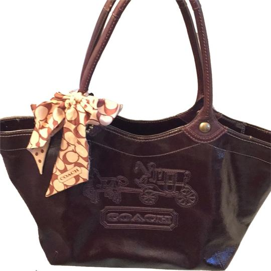 Preload https://item1.tradesy.com/images/coach-gallery-tote-brown-patent-leather-shoulder-bag-5184955-0-0.jpg?width=440&height=440