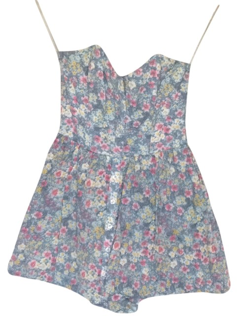 Preload https://item3.tradesy.com/images/pins-and-needles-floral-mini-romperjumpsuit-size-2-xs-5186017-0-0.jpg?width=400&height=650
