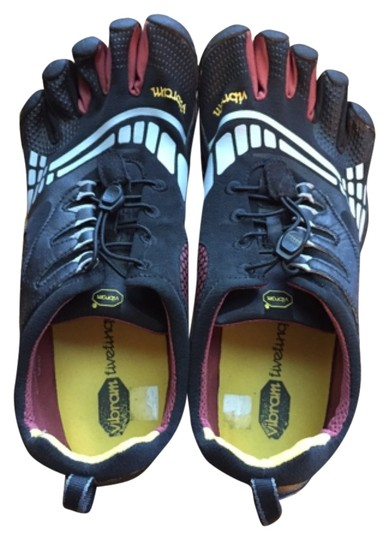 Vibram Black and red Athletic