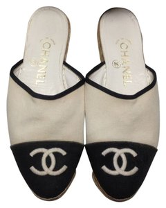 Chanel Flats Espadrilles Sandals Canvas Monogram Cream/Black Mules