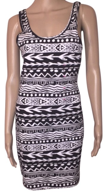 Preload https://item4.tradesy.com/images/pink-black-and-white-tank-knee-length-short-casual-dress-size-4-s-5187748-0-0.jpg?width=400&height=650