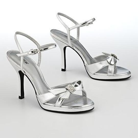 Silver Apt. 9 Stephanie Dress Heels Size US 6