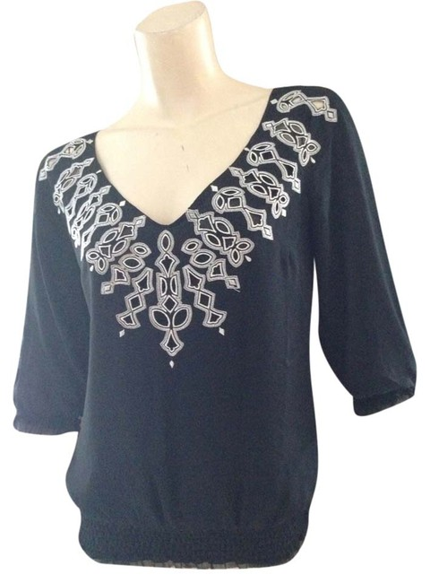 Preload https://item4.tradesy.com/images/white-house-black-market-blouse-size-2-xs-518948-0-1.jpg?width=400&height=650