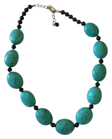 Preload https://item4.tradesy.com/images/other-turquoice-large-bead-necklace-5190403-0-0.jpg?width=440&height=440